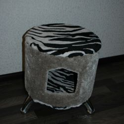 Padded house for a cat