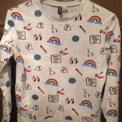 H ~ M sweatshirt