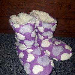 New Slippers Uggs