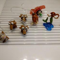 Jucării de la Kinder Surprise și Chupa Chups