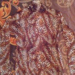 Bright Leopard Turtleneck