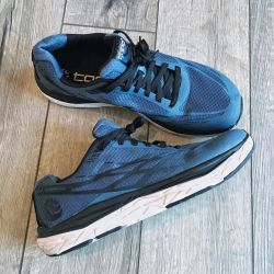 Running Shoes Topo Athletic