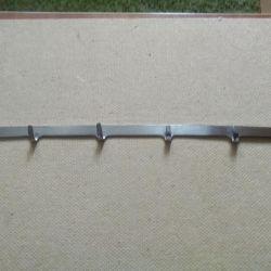 Hanger (stainless steel)