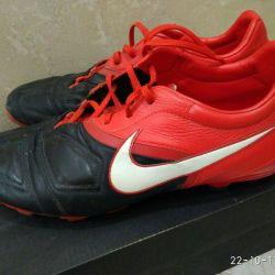 Men's soccer shoes r. 44