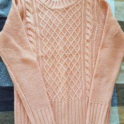 Tom Farr's very warm sweater, s