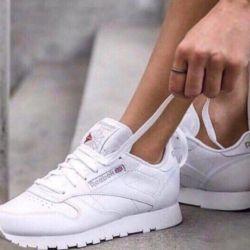 Τα αθλητικά παπούτσια είναι νέα