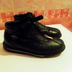 çizmeler Laura Biagiotti, hakiki deri