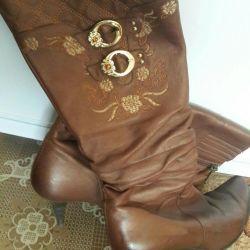 Demi-season women's boots