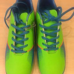 Νέο μέγεθος παπουτσιών 38