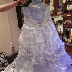 Elegant dress for the girl on growth 134-140