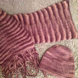 Set hat and scarf