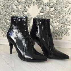 Ботильйони чоботи нові