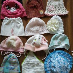 Καπέλα για ένα κορίτσι έως 2 ετών