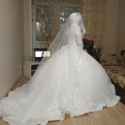 Wedding dress with flowers 3-d