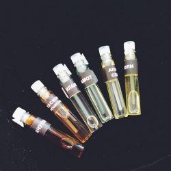 Un set de uleiuri esențiale pentru lampa de aromă