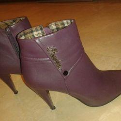 39 μπότες μοβ