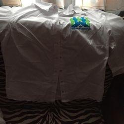 Χρησιμοποιείται ένα πουκάμισο μία φορά