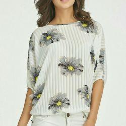 Μπλούζα λουλούδια σε λευκό. 40 έως 48