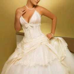 Wedding dress by Anna Bogdan