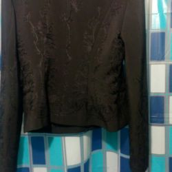 Пиджак черный!