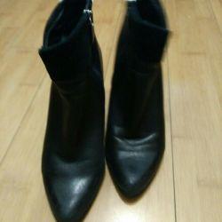 Ankle boots 38R. Nat. leather.