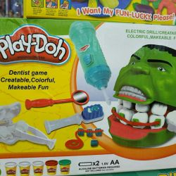 Play-Doh Modeling Kit