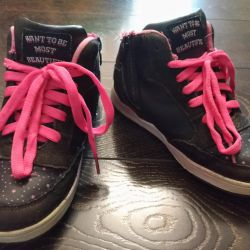 Low shoes, size 31