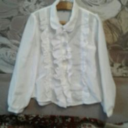 Blouse for the girl