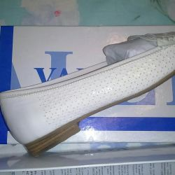 Valley loafers new with box and check