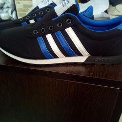 New men's sneakers, sizes in stock