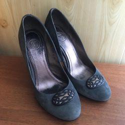 Γυναικεία σουέτ παπούτσια