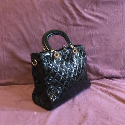 Lacquered Bag ?