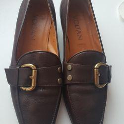shoes, p.40