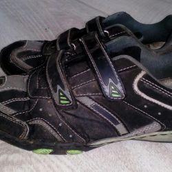 Spor ayakkabısı s.36
