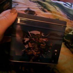 Voi vinde cărți de o broască țestoasă ninja într-un co metalic