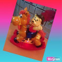 Winnie the pooh on horse