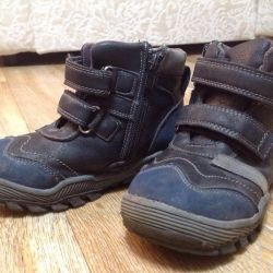 Çocuk için Demi-sezon ayakkabısı. 29 numara.
