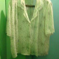 Блузка белая в горошек размер 56-58