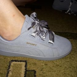 Women sneakers. New.
