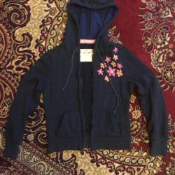 Çocuk spor ceketi 9-10 yaş arası.