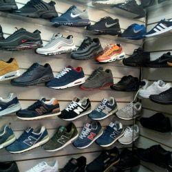 Новые мужские кроссовки.....