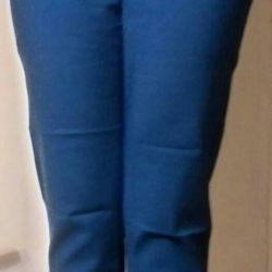 Trousers are blue female