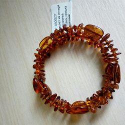 Amber bracelet, spring loaded