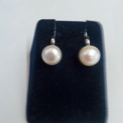 Natural pearl clips