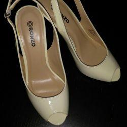 Νέα παπούτσια, παπούτσια γάμου