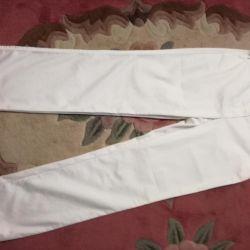 Pantaloni albi pr-va Turcia