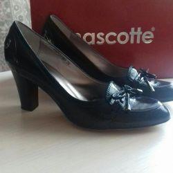 Ayakkabı Mascotte