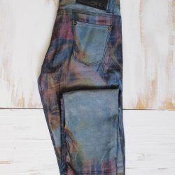 Τζιν με αρχική εκτύπωση. παντελόνια
