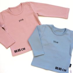 T-shirt with long sleeves made of dense cotton