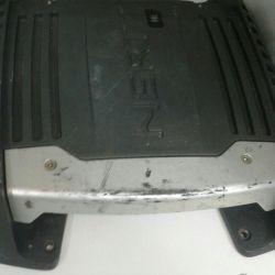 Автомобільний підсилювач звуку